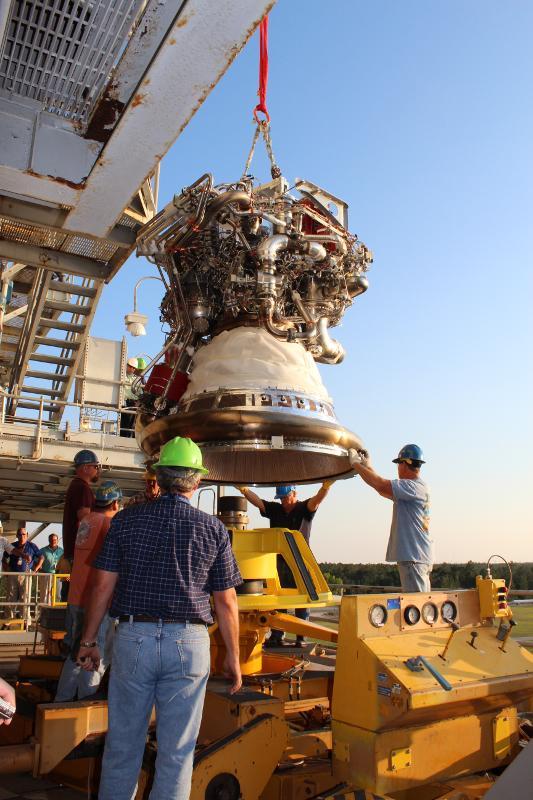 F-1 rocket engine G4049 engine vertical installer now being used in the J-2X program